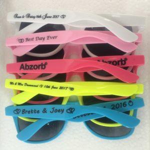 high-quality-sunglasses-summer-prom-favors-briller-wayferer-sunglasses-wedding-guest-gift-ideas