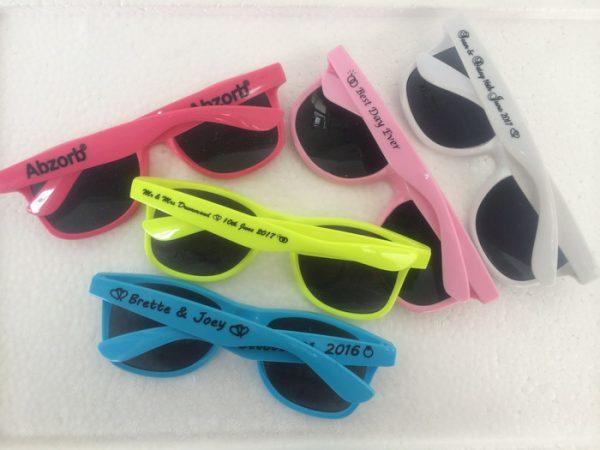 high-quality-sunglasses-summer-prom-favors-briller-wayferer-sunglasses-wedding-guest-gift-ideas-1